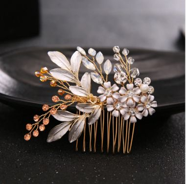 """Unique Crystals Hair Comb in Gold and Champagne """"Purdy"""""""